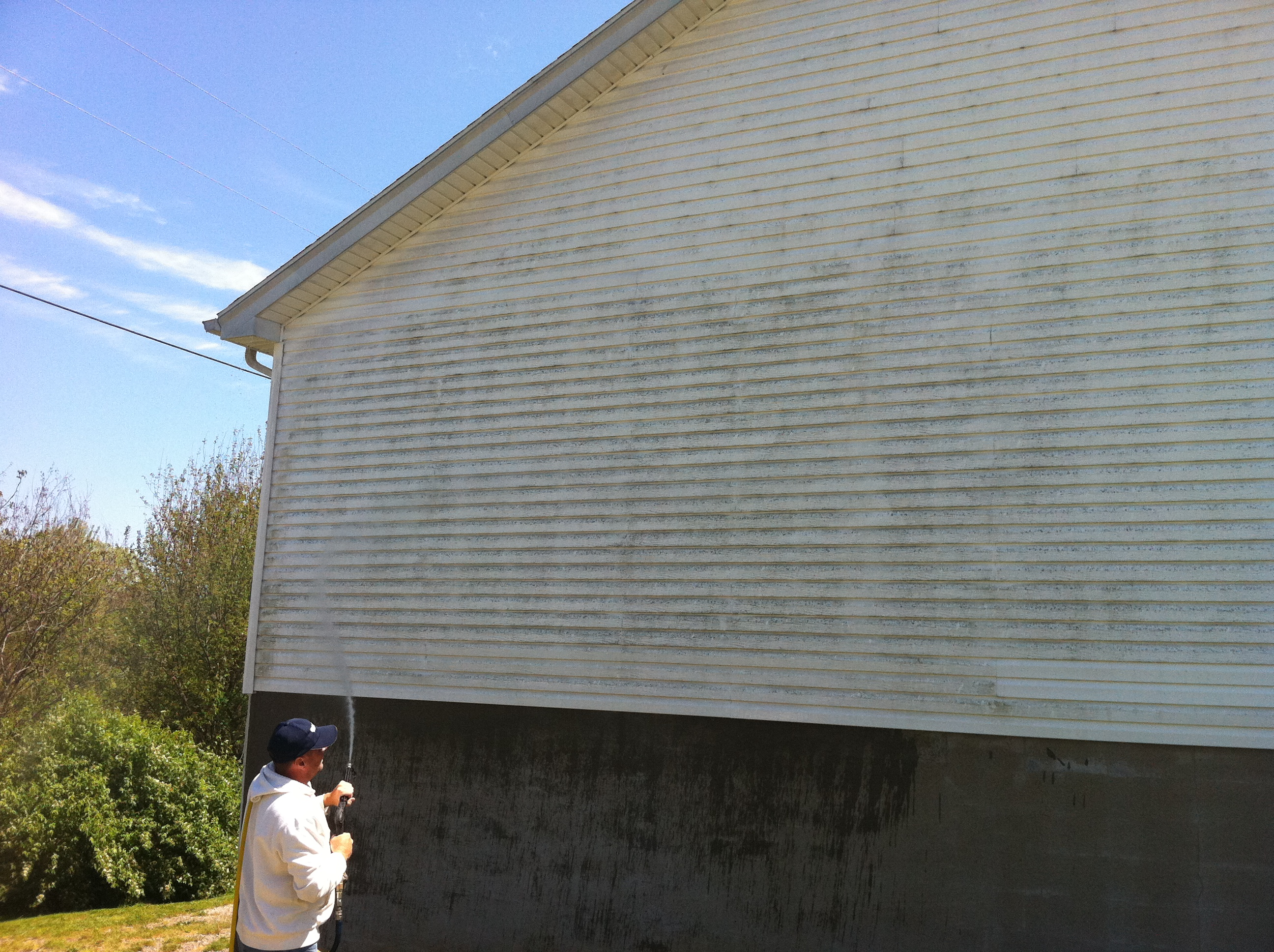 how to clean mildew from house siding